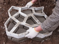 Форма-опалубка для изготовления садовой дорожки 60*60см