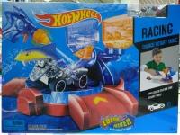 Трек Hot Wheels Акула меняет цвет + водный пистолет