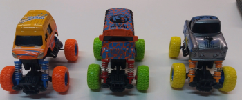 Инерционные машинки/мотоциклы Super Monster Монстр Траки